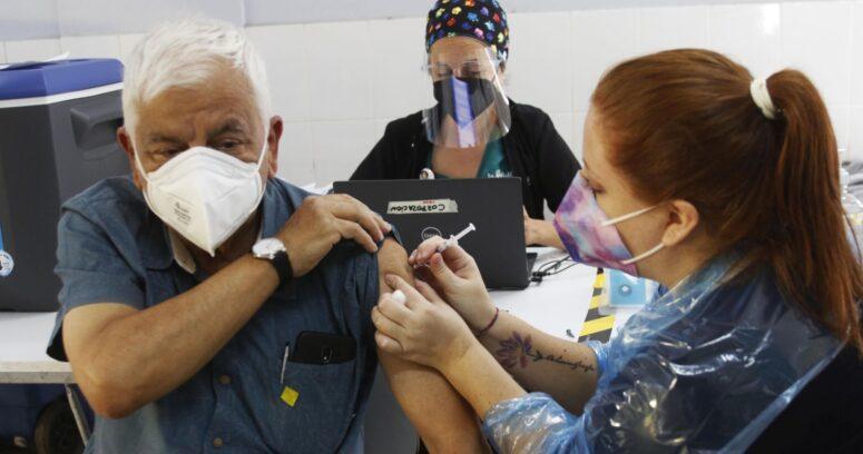 Minsal anunció plan de vacunación directa en comunas con más incidencia de casos