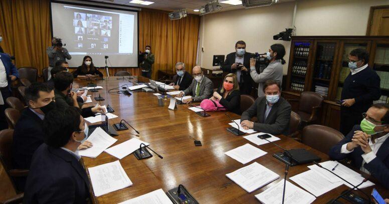 Comisión de Constitución despacha proyectos de tercer retiro a la Sala de la Cámara Baja