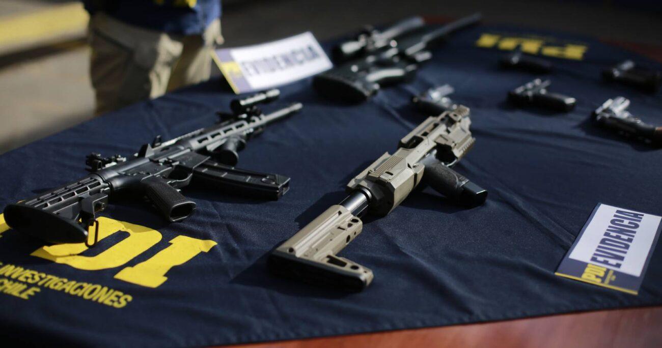 Los detenidos contaban con una importante cantidad de drogas y armamento. AGENCIA UNO