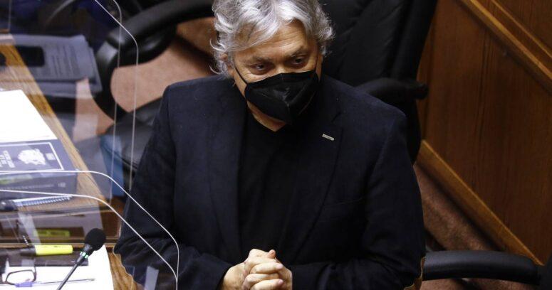 """Senador Navarro y derrota de Piñera en el TC: """"Corrió solo y llegó segundo"""""""