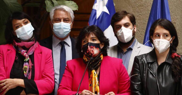 """Yasna Provoste pide al TC decidir sobre tercer retiro """"sin la presión del Gobierno"""""""