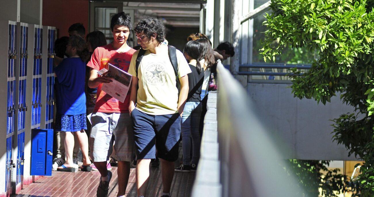 El estudio entregó un balance sobre la medida aplicada en varias casas de estudios. (Agencia UNO/Archivo)