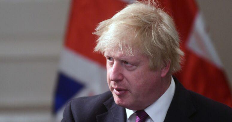 Johnson no acudirá al funeral del duque de Edimburgo por medidas sanitarias