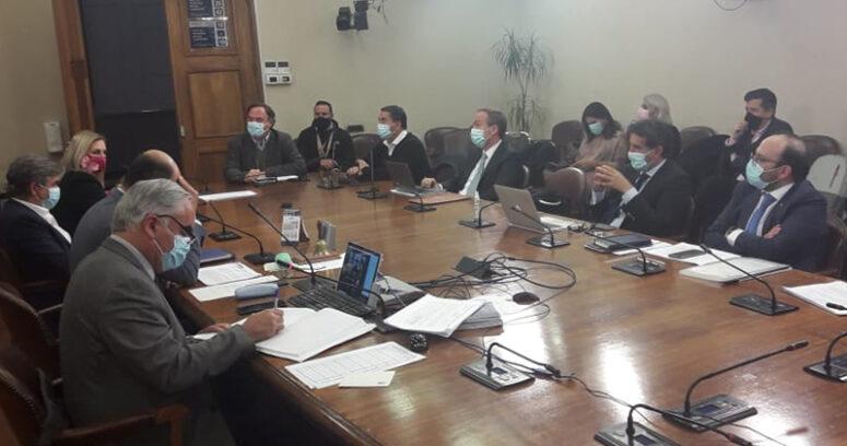 """""""Comisión de Constitución aprueba y despacha a Sala impuesto a súper ricos"""""""