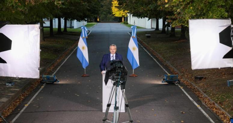 Alberto Fernández decreta toque de queda y otras restricciones por la pandemia