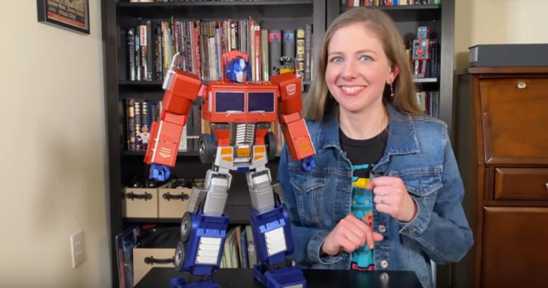 """VIDEO – Desarrollan Optimus Prime """"viviente"""" y se agota antes de llegar a las tiendas"""