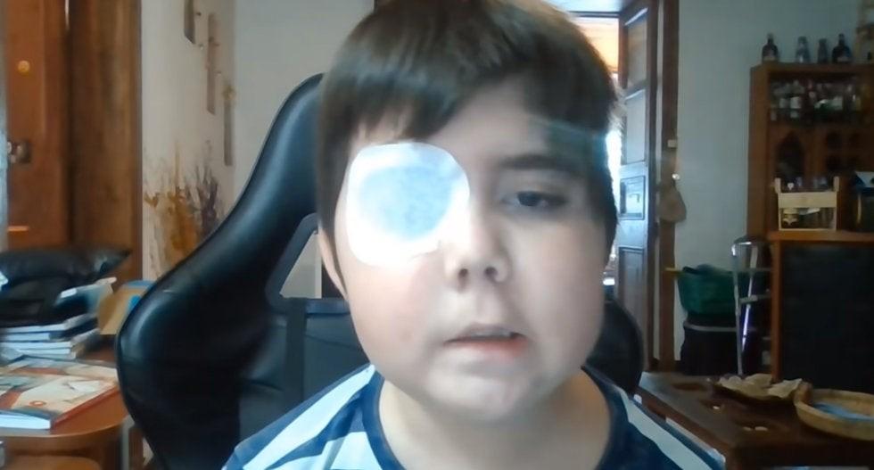 Uno de los grandes deseos del niño es convertirse en gamer, por lo que pidió a la gente que lo siguiera. Foto: YouTube Tomiii 11