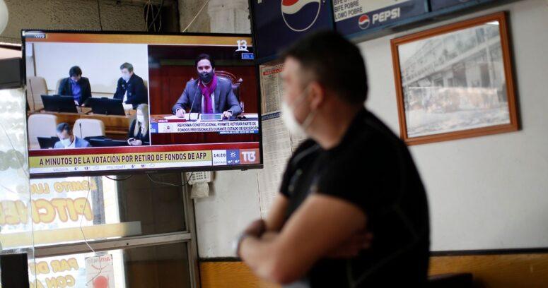 CNTV: consumo televisivo llegó a cifra récord durante 2020