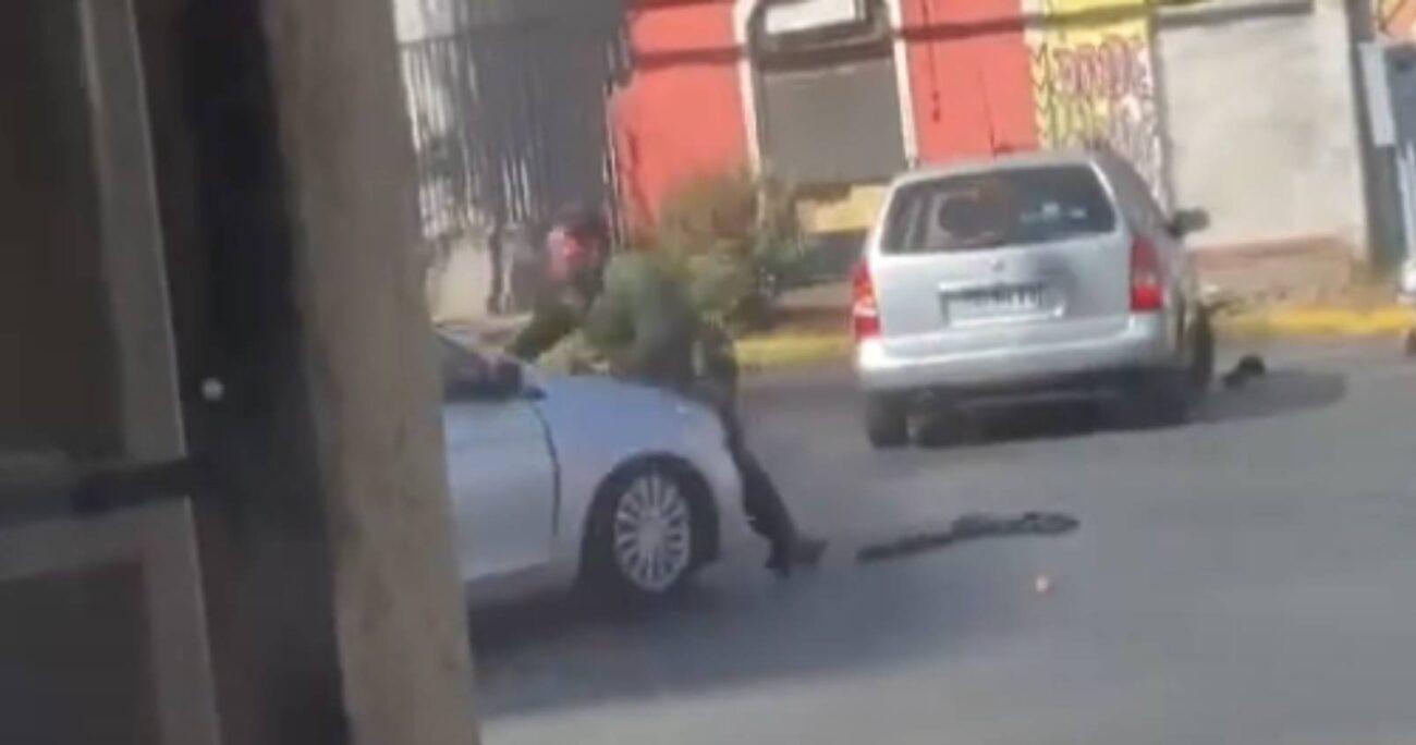 El uniformado fue atropellado por un auto de la SIP de Carabineros, pero no sufrió ningún tipo de lesiones.