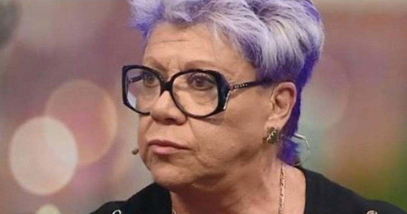 En su canal, la cantante transmite el programa Las Indomables. CAPTURA DE PANTALLA/MEGA.