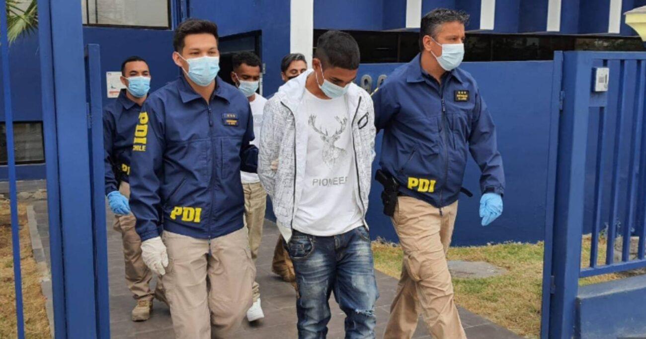 Los presuntos sicarios fueron identificados tras vender un celular que le robaron a la víctima a un ciudadano peruano. PDI
