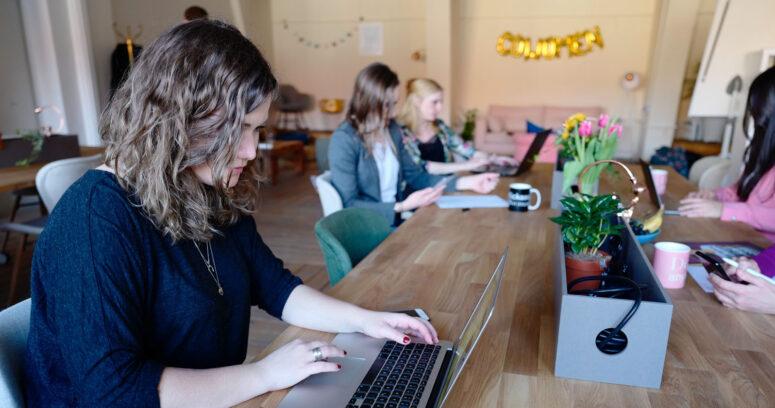 Nueva edición de Becas Santander Women potencia el liderazgo femenino