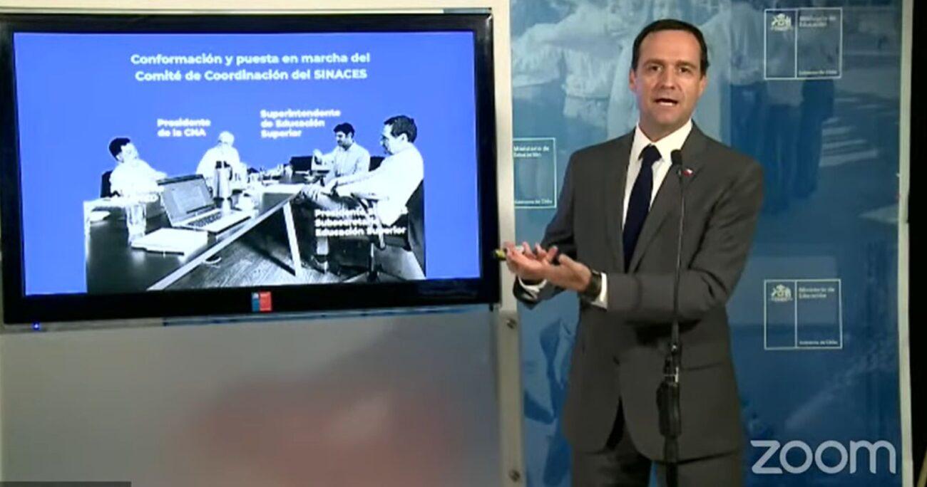 El subsecretario de Educación Superior, Juan Eduardo Vargas, durante la reunión. (Captura de pantalla/Mineduc)