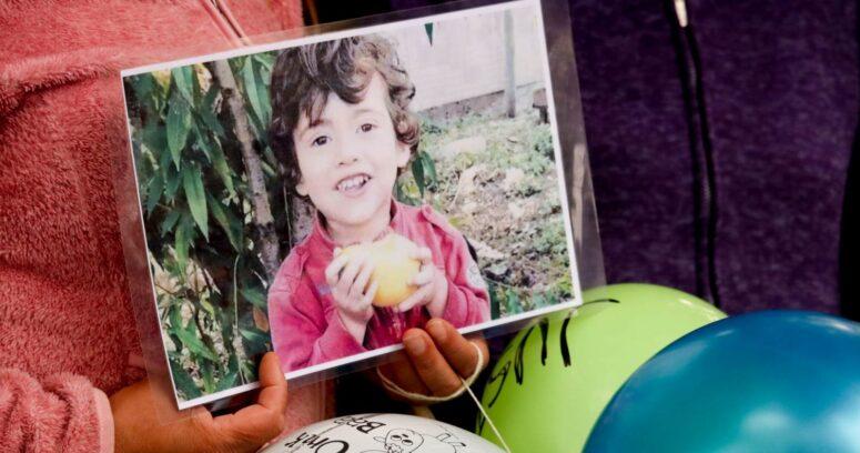 """Abuela materna de Tomás Bravo tras filtración de autopsia: """"Sentimos que están jugando con nosotros"""""""