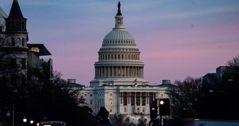"""""""Cámara de Representantes aprueba comisión para investigar el asalto al Capitolio"""""""