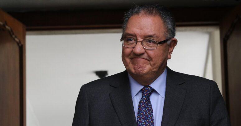 """""""DC se fracciona tras derrota electoral: emblemático senador pide renuncia de Fuad Chahín"""""""