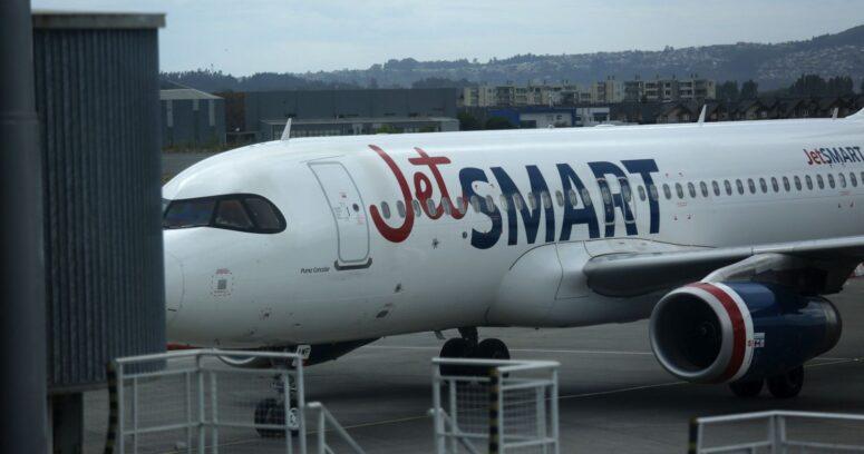 """""""Avión de Jetsmart sufrió desperfecto y tuvo que aterrizar de emergencia en Talcahuano"""""""