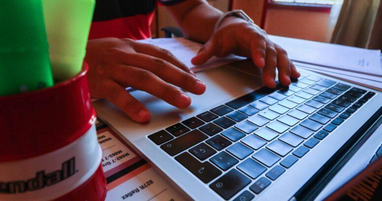 Las becas y beneficios que se están entregando a los estudiantes de educación superior ante la continuidad de las clases online