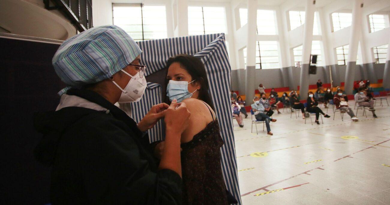 La vacunación a los trabajadores de la educación comenzó el 15 de febrero. AGENCIA UNO/ARCHIVO