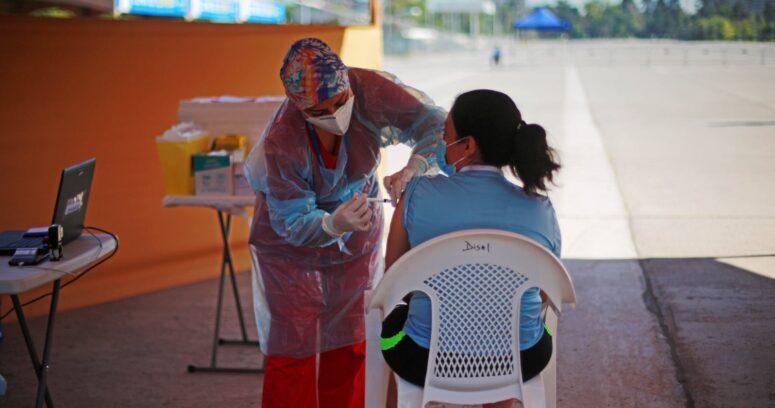 Vacunación contra el COVID-19 avanzará en personas entre 34 y 30 años