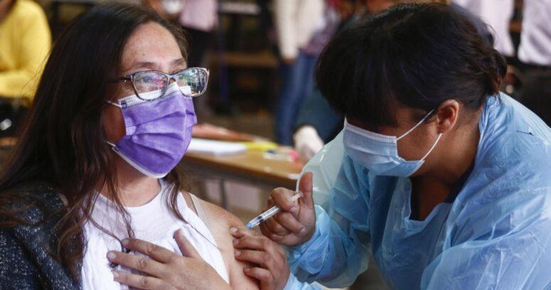 Vacunados en Estados Unidos podrán dejar de utilizar mascarillas en algunos espacios abiertos y cerrados