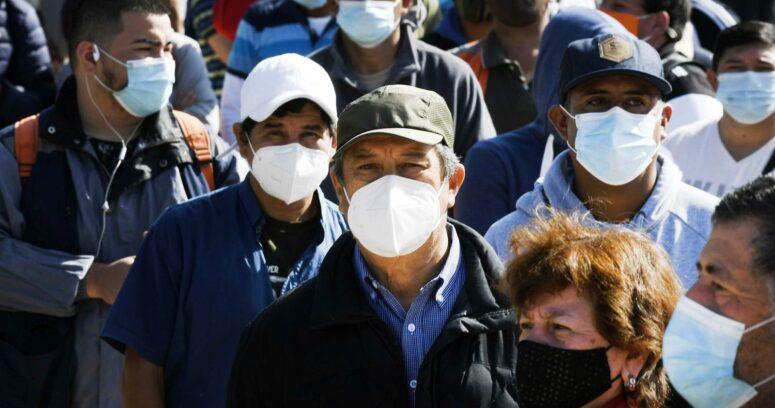 OMS pidió precaución a países que terminaron con obligatoriedad de las mascarillas en vacunados