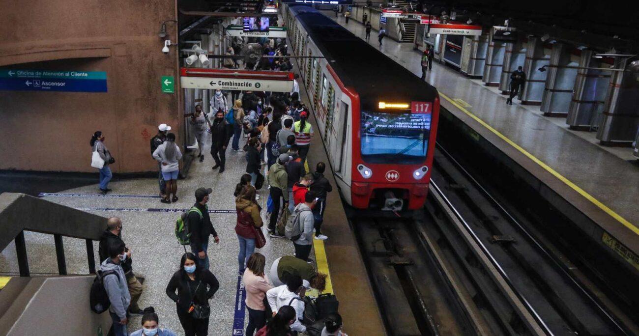 Las autoridades buscan fomentar la participación entregando facilidades en el sistema de transportes. AGENCIA UNO/ARCHIVO