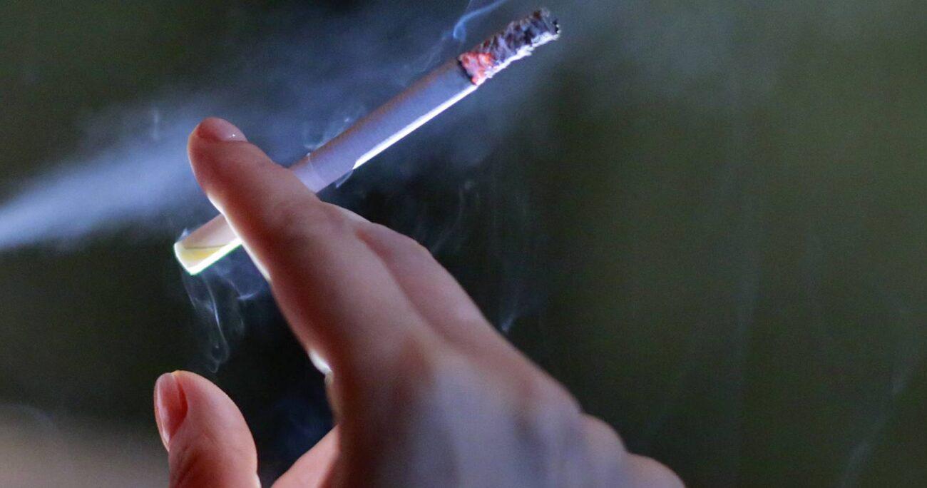 De acuerdo a los datos epidemiológicos del Minsal, la prevalencia de fumadores en la población de 15 y más años (2009-2010) era de un 40,6 %. AGENCIA UNO/ARCHIVO