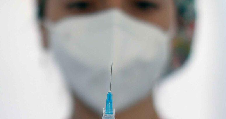 China apoya la idea de suspender las patentes de las vacunas