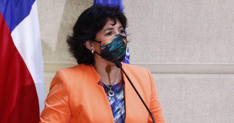 """Yasna Provoste pide ir a votar por la """"gente que perdió la vida"""" durante estallido social"""