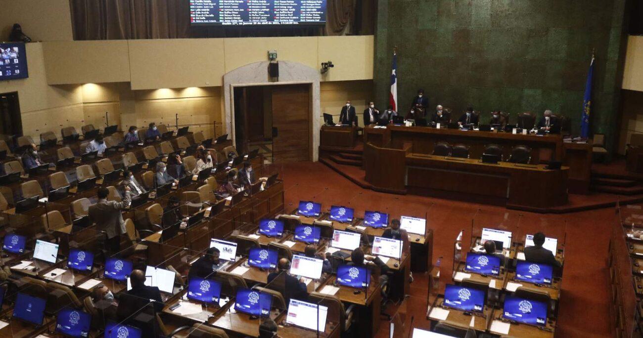La norma, que fue informada en la Sala por el diputado Hugo Rey (RN), vuelve a la Comisión de Trabajo por ser objeto de indicaciones. AGENCIA UNO/ARCHIVO