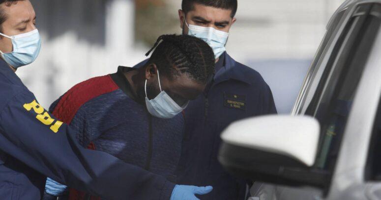 Detienen a haitiano acusado de doble homicidio en Maipú: tenía prostíbulo clandestino