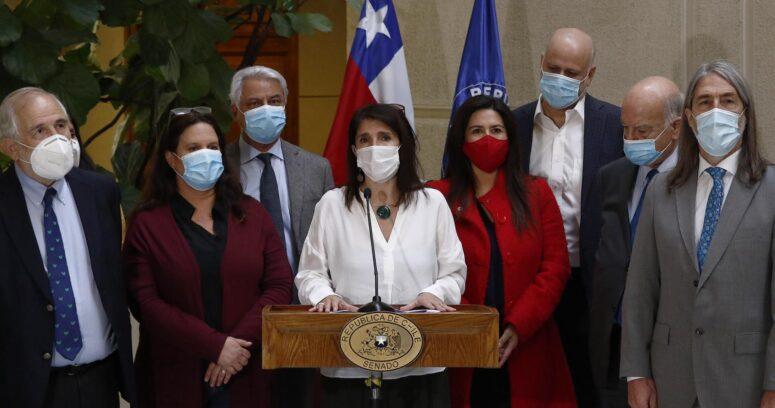 Paula Narváez llega al Congreso para presentar su propia propuesta de Renta Básica Universal