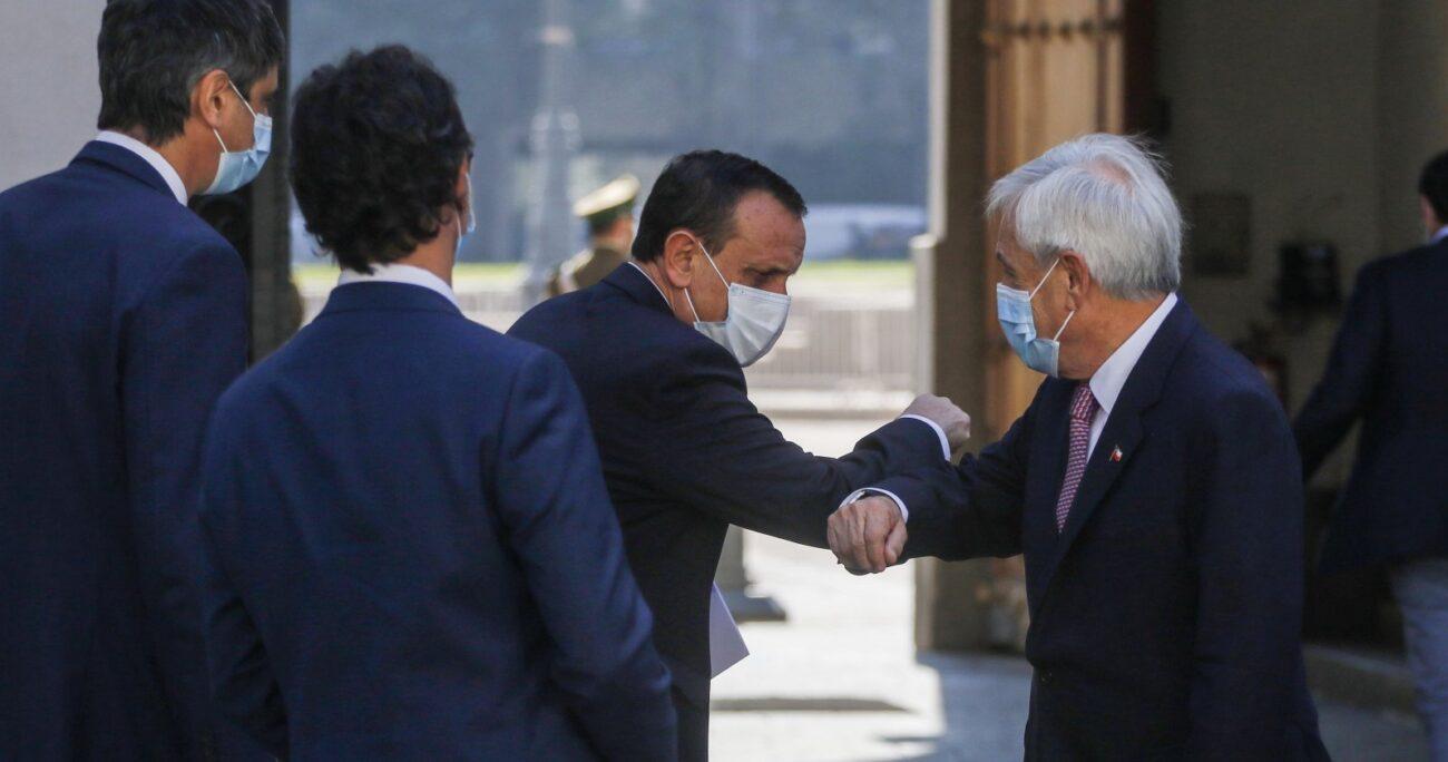 El rector Sánchez tras el encuentro con el mandatario. AGENCIA UNO
