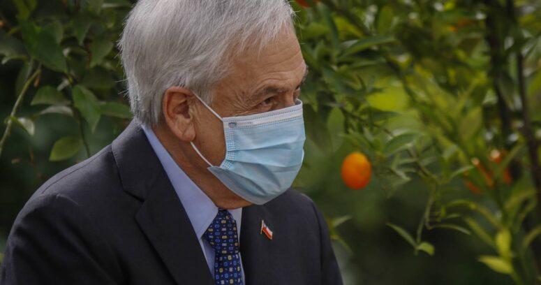 Sebastián Piñera sigue los resultados de las elecciones en La Moneda