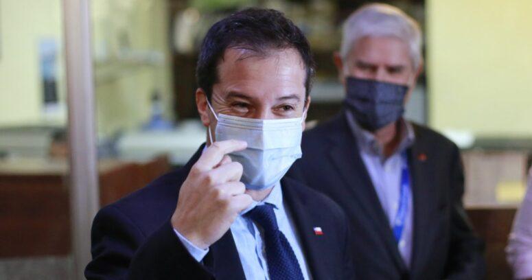 """Ministro de Economía por declaraciones de Alejandra Cox: """"Espero que lo haya dicho en broma"""""""