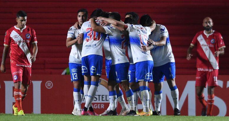 U. Católica vence como forastero y se mete en la pelea en Copa Libertadores