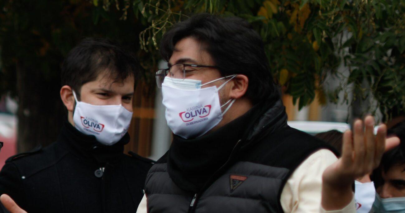 Esto, luego que ambos fueran parte del acto de cierre de campaña de Karina Oliva, candidata del Frente Amplio a la Gobernación de la Región Metropolitana. AGENCIA UNO