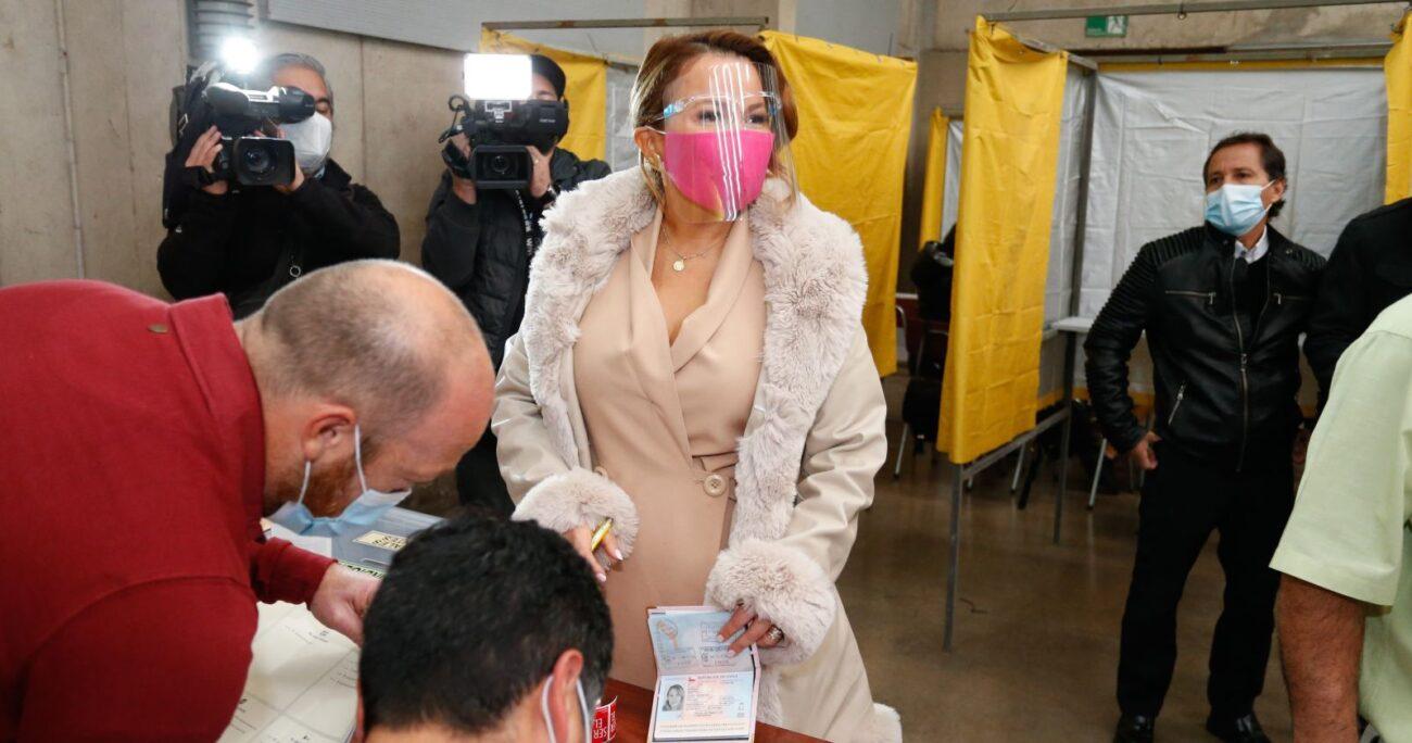 """Cathy Barriga aseguró que """"estamos en un proceso democrático donde la gente manda"""