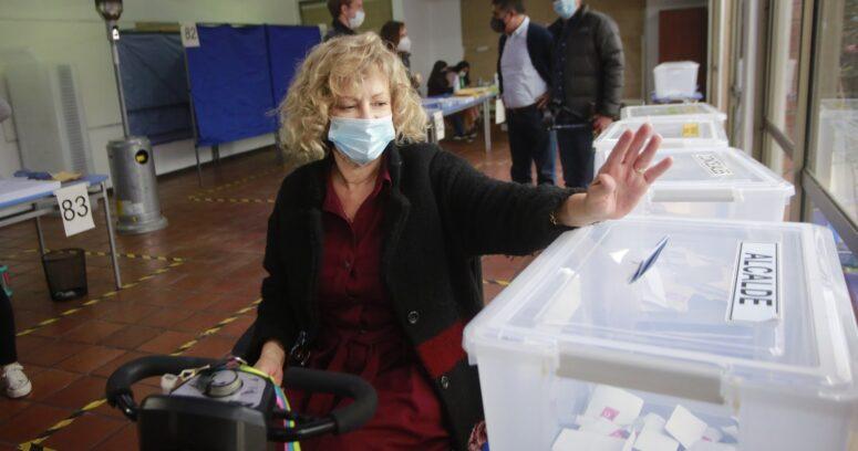 """""""Catalina Parot busca cómo pagar millonario préstamo de campaña:"""