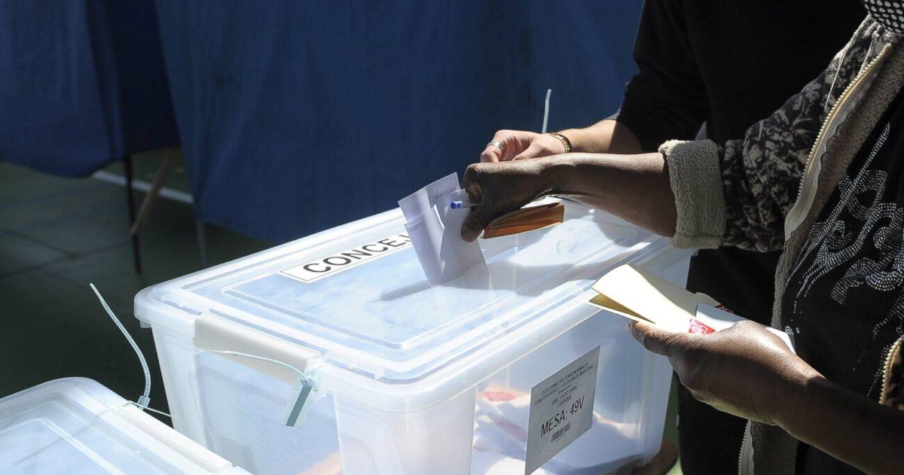 Votación en Colegio Don Bosco de Iquique. AGENCIA UNO/ARCHIVO