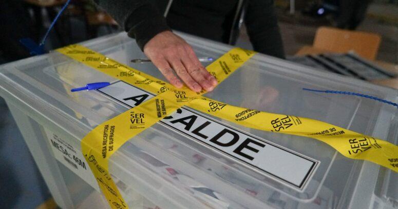 Elecciones: con cierre de mesas y sellado de urnas culmina primera jornada
