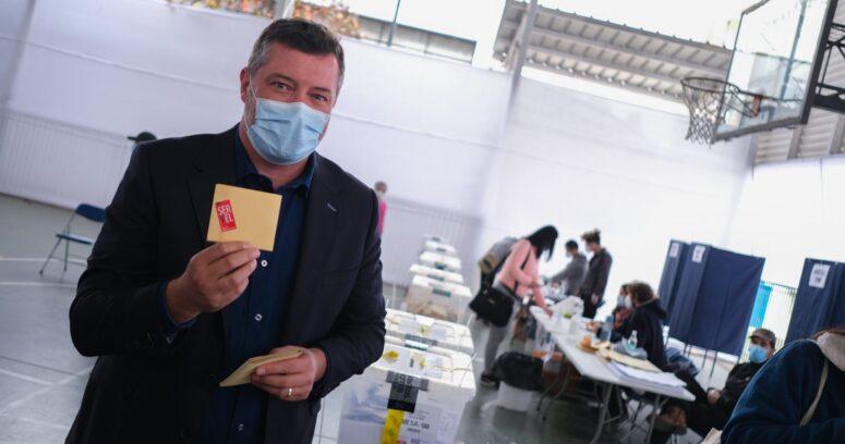 """Sebastián Sichel: """"Cuando vota poca gente y hay sesgo de clase, nos perjudica a todos"""""""