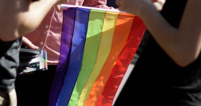 Joe Biden anuló regulación de Trump y devolvió protección en salud para gays y transgéneros