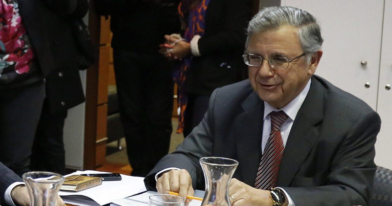 La propuesta aprobada por el Consejo del Colegio fue dada a conocer por su presidente, Héctor Humeres. AGENCIA UNO/ARCHIVO