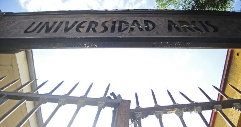 La historia del hombre que compró la cartera de deuda de los estudiantes de la Universidad Arcis