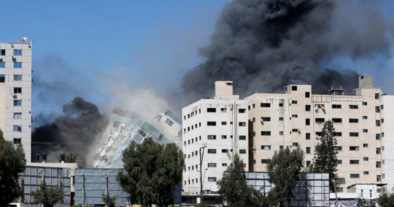 Minutos después, el Ejército israelí ha confirmado su responsabilidad en la destrucción del edificio.