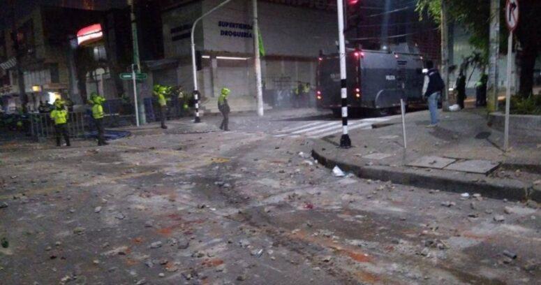 Policías de Colombia dispararon a manifestantes mientras se jugaba el partido de River vs Junior