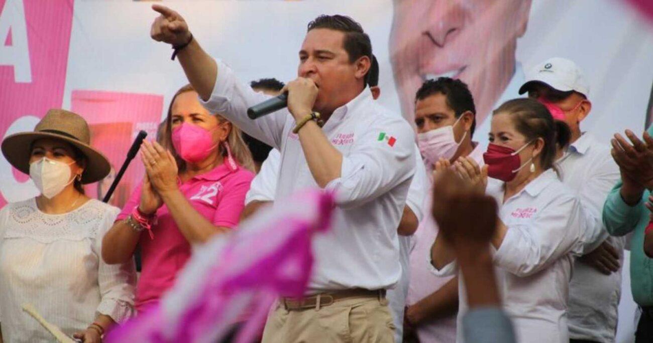 El ataque ocurrió pocas horas después de que la candidata a la alcaldía de Moroleón fuera asesinada en pleno acto de campaña.
