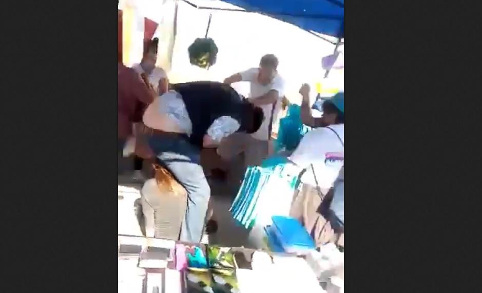 VIDEO - Candidato a concejal RN es atacado en feria libre de Maipú
